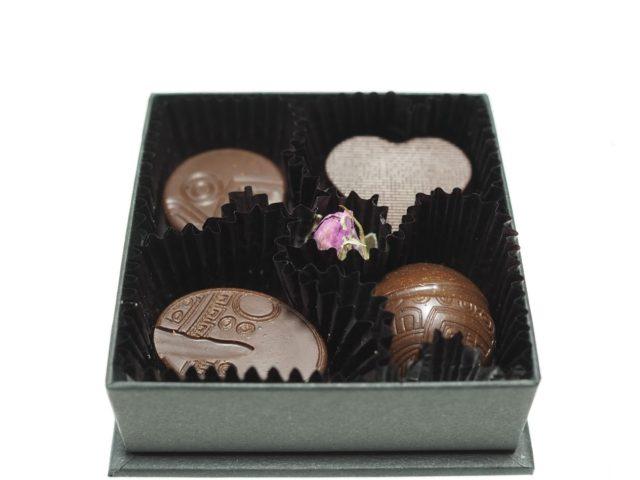 「京都カカオマジックのローチョコレートは大人の味」のアイキャッチ画像