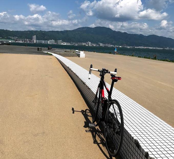 「ロードバイクで京都グルメ旅、おいしいクリームパンを求めて」のアイキャッチ画像
