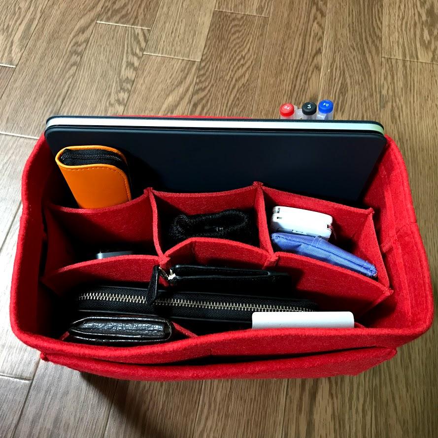 「バッグインバッグでトートバッグの中はスッキリ整頓できる」のアイキャッチ画像
