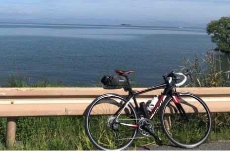 「ロードバイクで琵琶湖一周「ビワイチ」に行ってきた体験レポ!」のアイキャッチ画像
