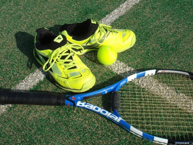 「40代テニスウェアの選び方、気をつけたいポイントやブランドをまとめてみたので参考にしてください」のアイキャッチ画像